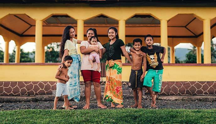 Explore Samoa - People